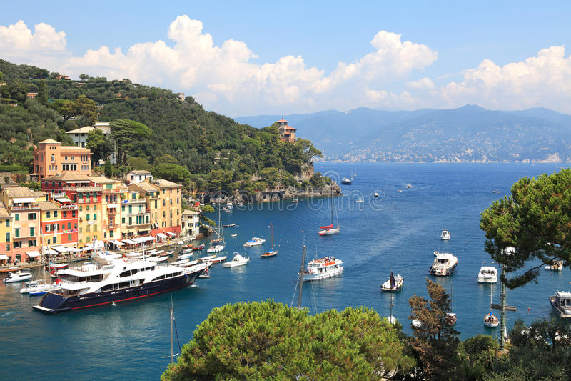 Luftaufnahme über Portofino Schacht. lizenzfreie stockfotografie