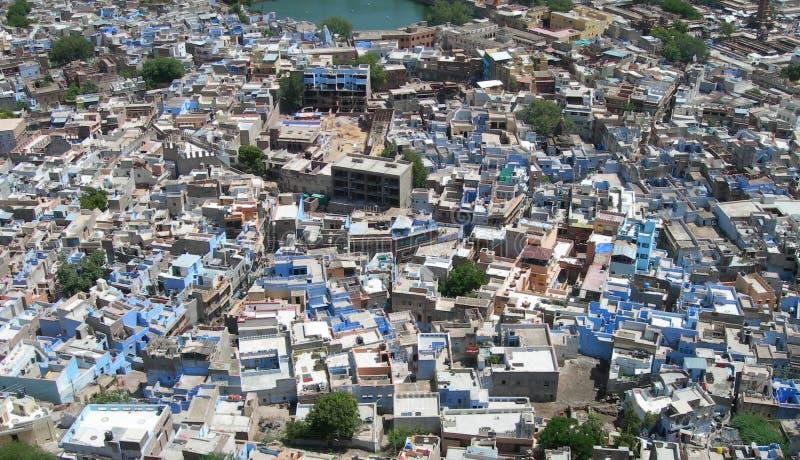 Luftaufnahme der blauen Stadt, Indien lizenzfreie stockfotos