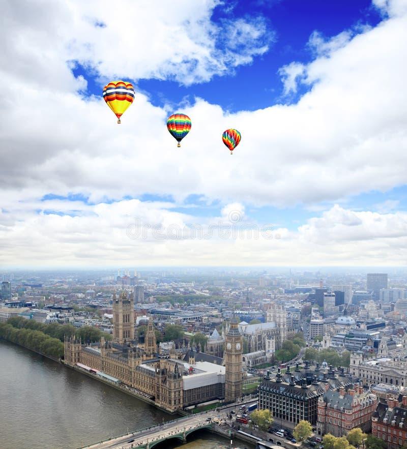 Luftaufnahme der Stadt von London stockfotos