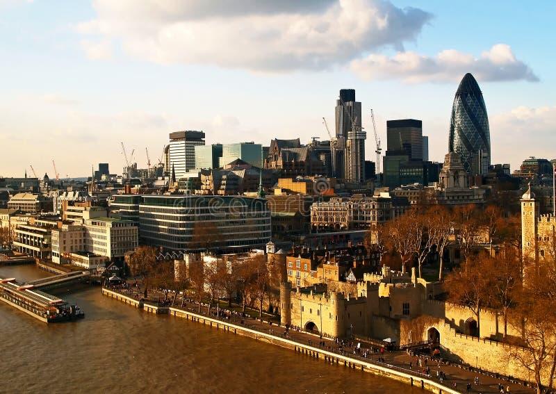 Luftaufnahme der Stadt von London stockbilder