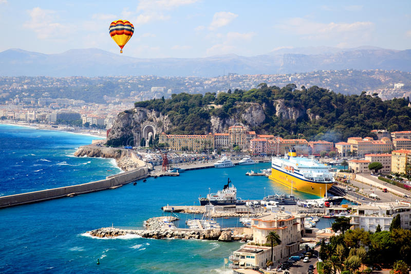Luftaufnahme der Stadt von Nizza Frankreich stockbilder
