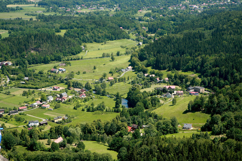 Luftaufnahme des Dorfs lizenzfreies stockfoto