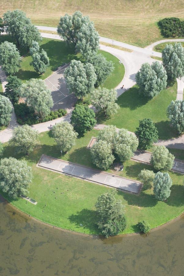 Luftaufnahme des entspannenden Parks stockbild