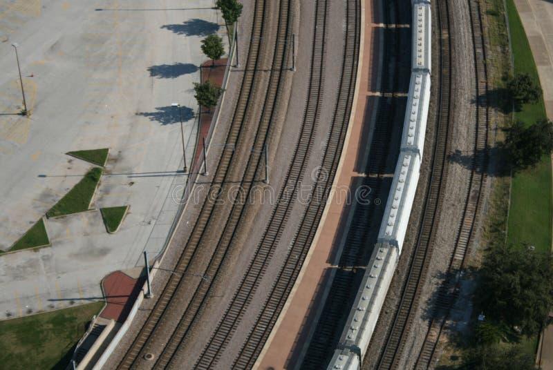 Luftaufnahme des Güterzuges stockbild