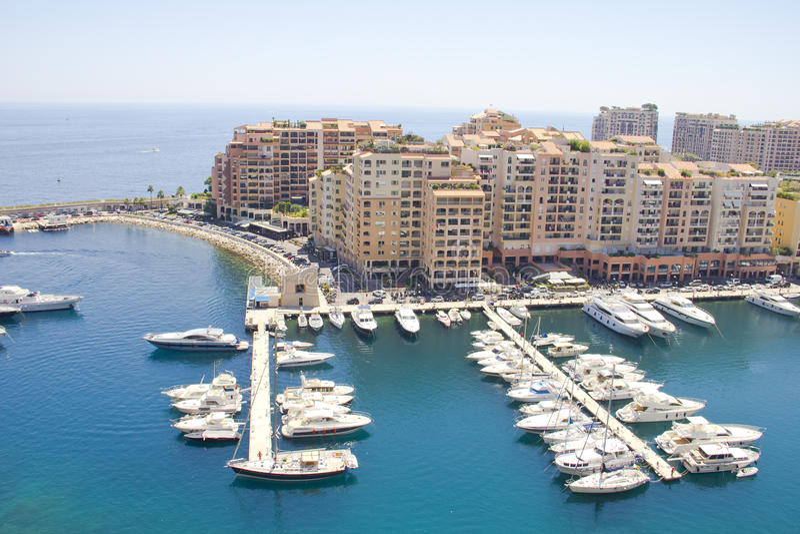 Luftaufnahme des Hafens von Monaco stockbilder