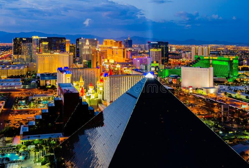 Luftaufnahme von Las Vegas nachts stockbilder