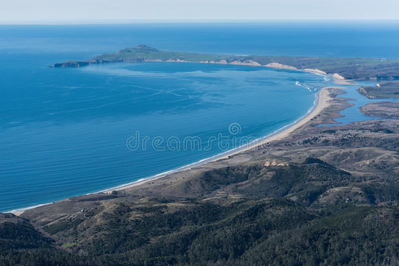 Luftaufnahme von Limantour-Strand und von Punkt Reyes National Seashore lizenzfreies stockbild