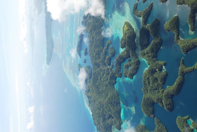 Luftaufnahme von Mikronesien-Inseln lizenzfreie stockfotos