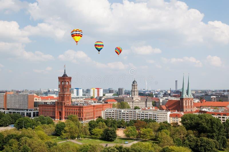 Luftaufnahme von zentralem Berlin stockbilder
