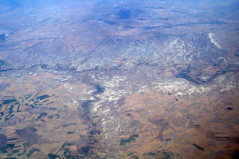 Download Luftaufnahmeberge, stockbild. Bild von hügel, wolke, spitze - 26355179