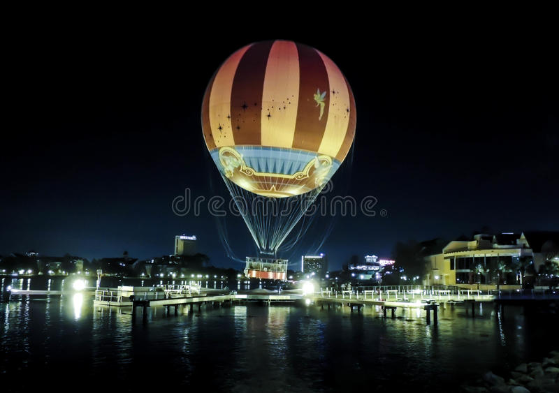 Luftballong på natten royaltyfria foton