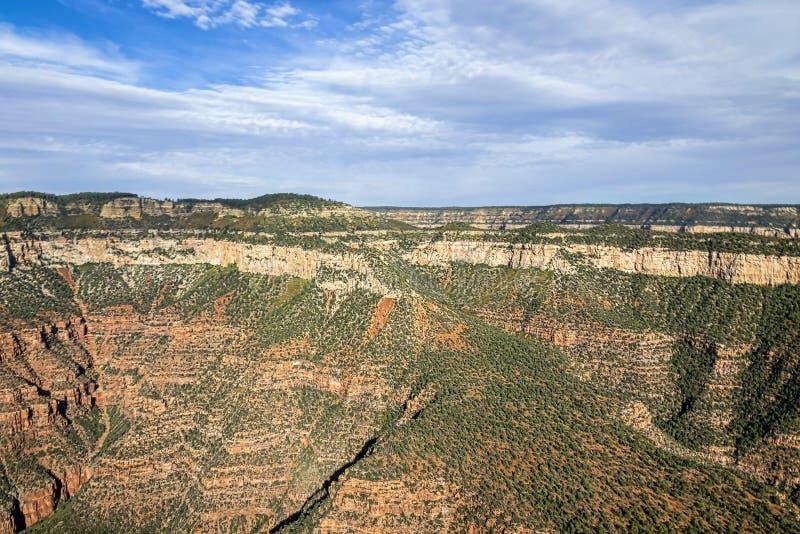 Luftbild der Canyons im Grand Canyon Nationalpark vom Hubschrauber aus stockfotografie