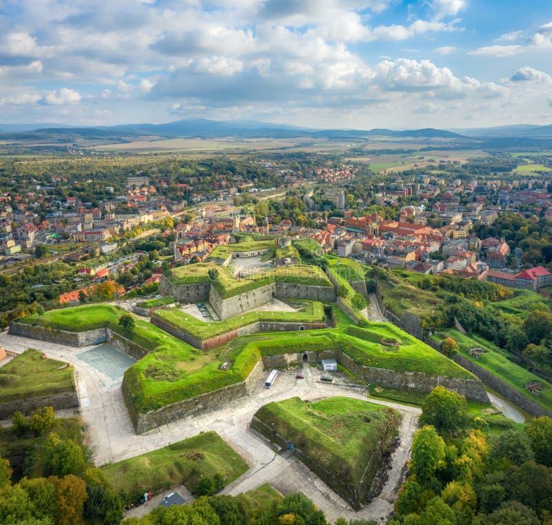 Luftbild der historischen Festung Klodzko, Polen lizenzfreie stockfotografie