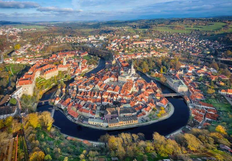 Luftbild von Cesky Krumlov, Tschechien lizenzfreie stockfotos
