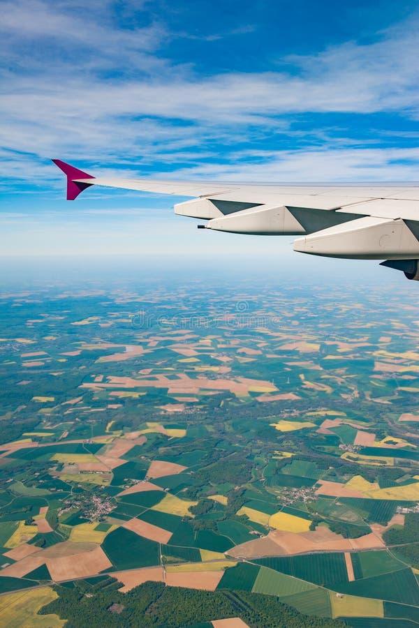 Luftbildfotografie über den Vororten von Paris lizenzfreies stockfoto