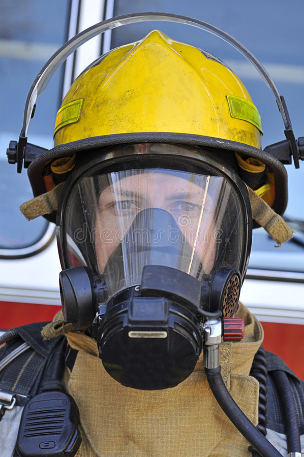 luftbrandmanmaskering royaltyfria bilder