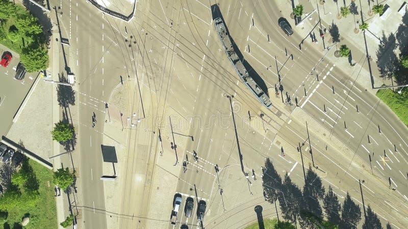 Luftder spitze Ansicht unten des bedeutenden Stadtstraßenschnitts in Leipzig lizenzfreie stockbilder