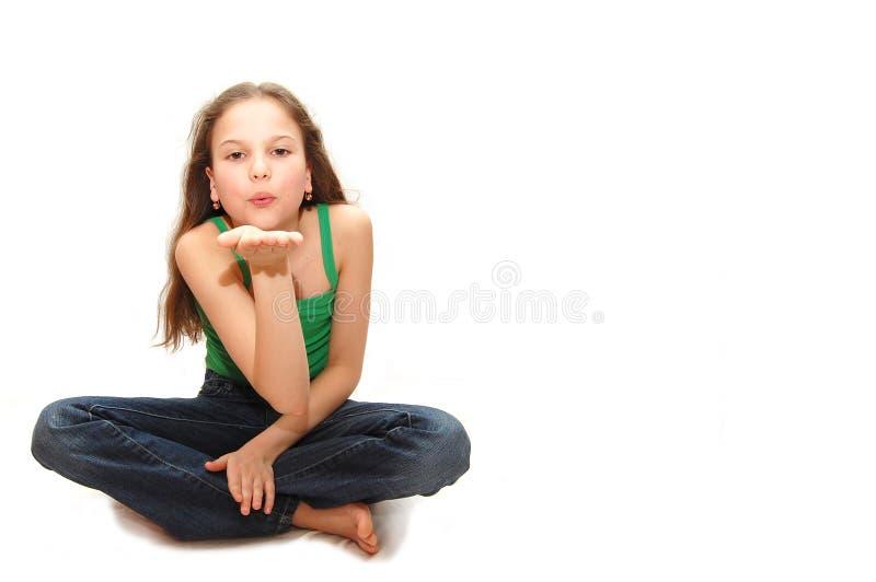 luftflickakyssen överför tonåringbarn arkivbild