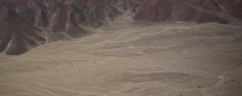 Luftflugzeugpanoramablick zu Nazca-Hochebene mit geoglyph Linien, Ica, Peru stockbilder
