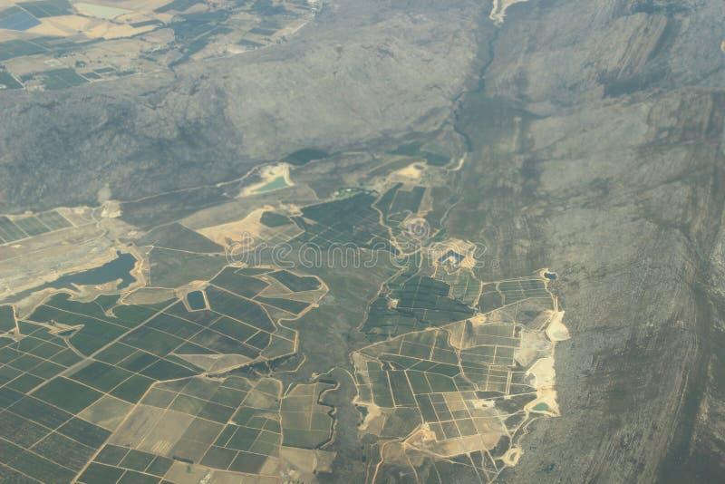 Luftfoto des Ackerlands in Südafrika nah an Cape Town, Landwirtschaft in Afrika lizenzfreie stockfotos