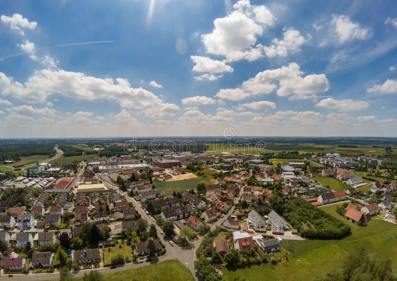 Luftfoto des Dorfs Tennenlohe nahe der Stadt von Erlangen lizenzfreie stockfotos