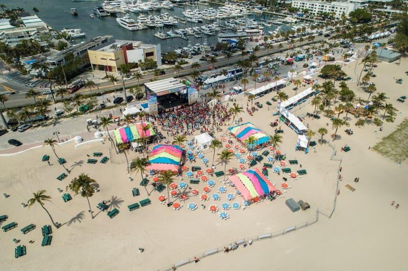 Luftfoto Florida-Aids-Wegkonzert Fort Lauderdale-Strand spr lizenzfreie stockfotos