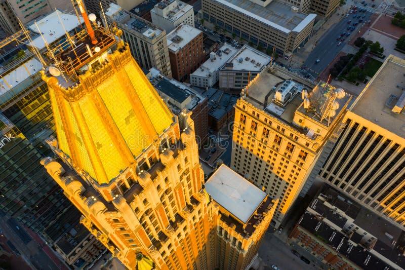 Luftfoto 10 heller Straßen-Turmmietwohnungen Baltimore MD stockfotografie