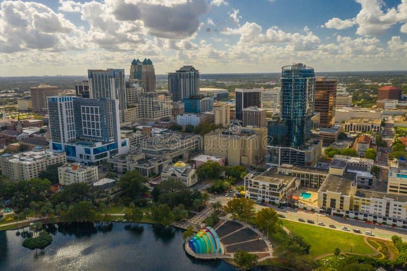 Luftfoto im Stadtzentrum gelegenes Orlando Florida USA See Eola-Höhengeschäftsgebiet stockbild