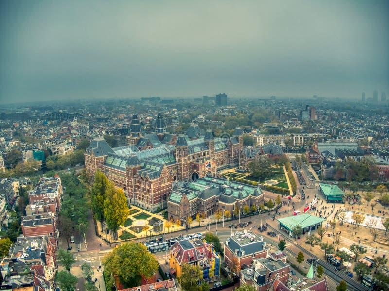 Luftfoto Rijksmuseum während des Winternebeltages stockfotografie