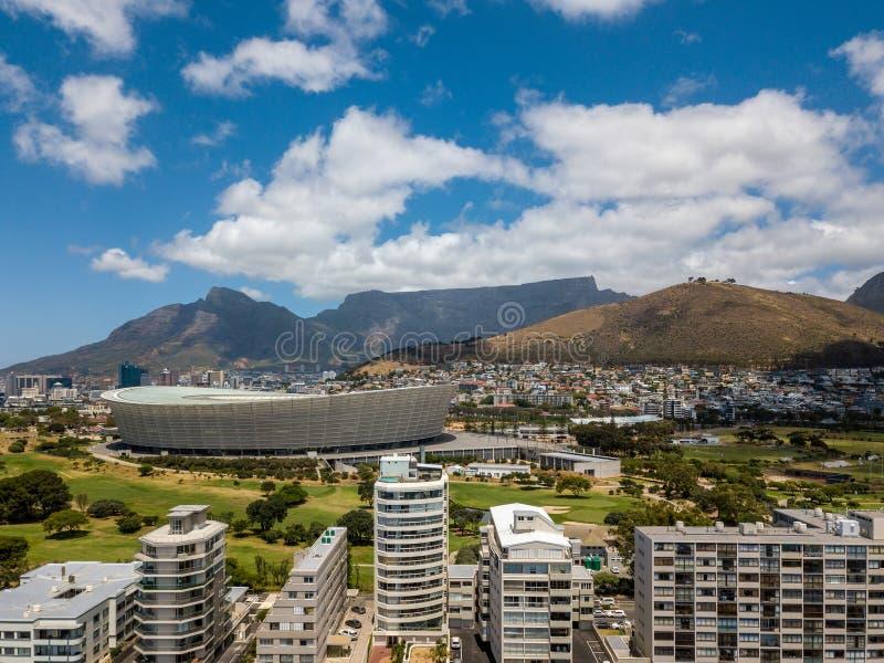 Luftfoto von Cape Town- und Tabble-Berg lizenzfreie stockfotografie