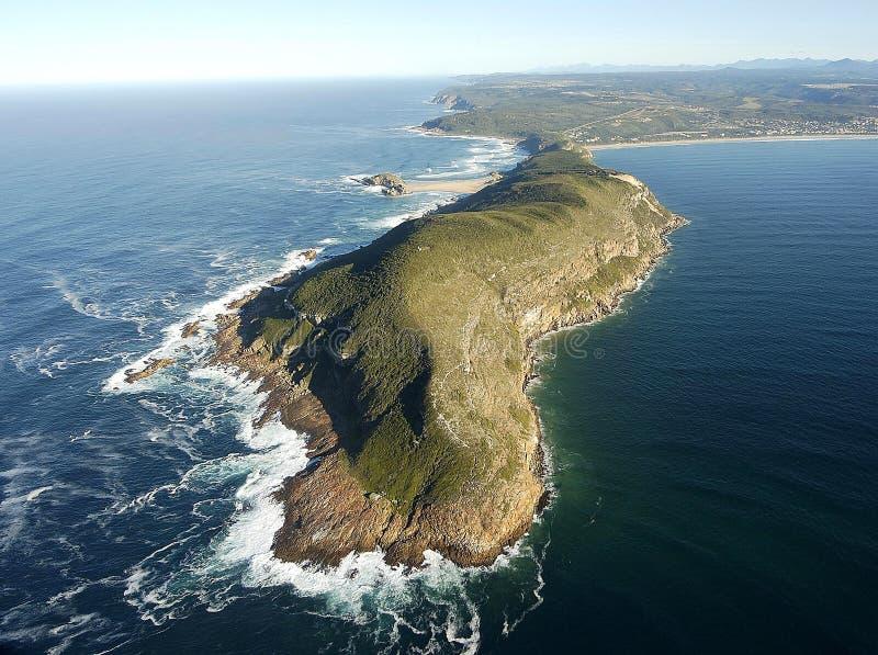 Luftfoto von Plettenberg-Bucht im Garten-Weg, Südafrika lizenzfreies stockfoto