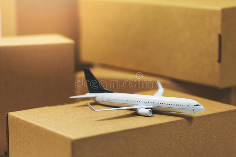 Luftfrachttransport und -logistik stockfoto