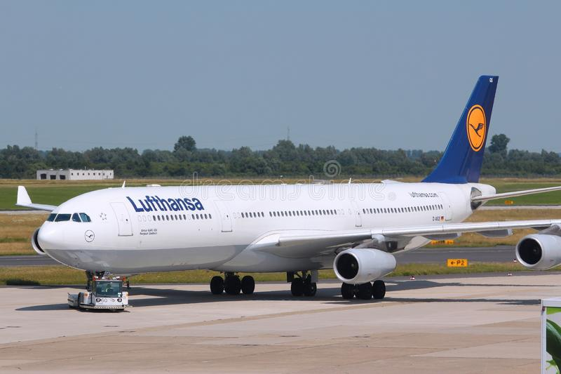 Lufthansa Airbus A340 photo libre de droits
