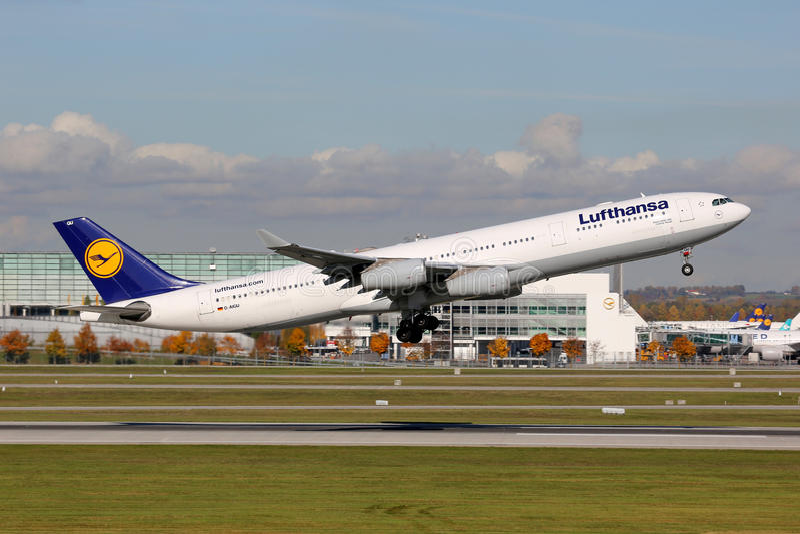 Lufthansa Airbus A340-300 image libre de droits