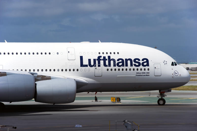 Download Lufthansa Airbus A380 Editorial Photography - Image: 25041942
