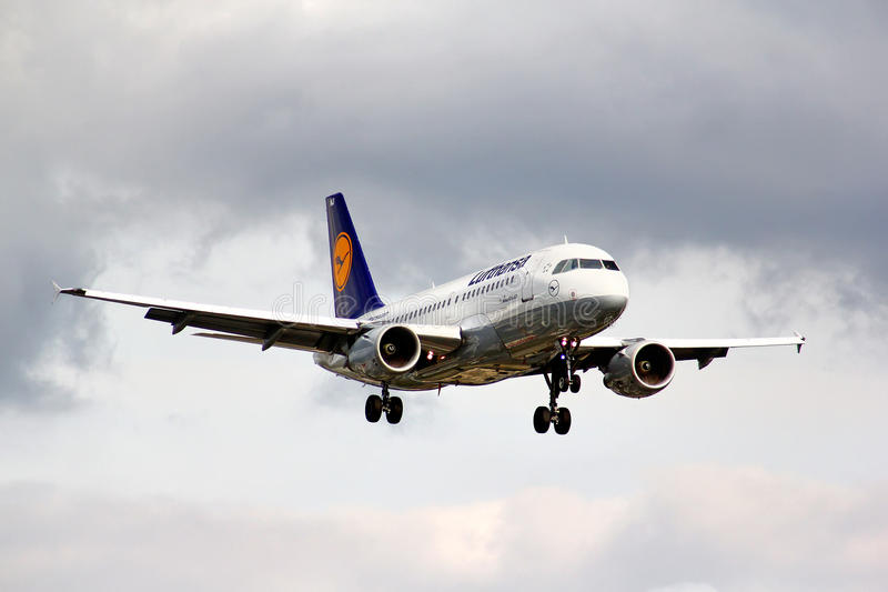 Lufthansa Airbus A319. BERLIN, GERMANY - AUGUST 17, 2014: Lufthansa Airbus A319 arrives to the Tegel International Airport stock images