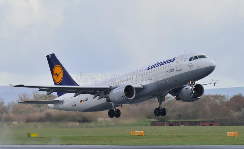 Download Lufthansa Airbus A320 editorial photography. Image of airplane - 39267207