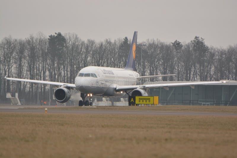Lufthansa aplana imagens de stock royalty free