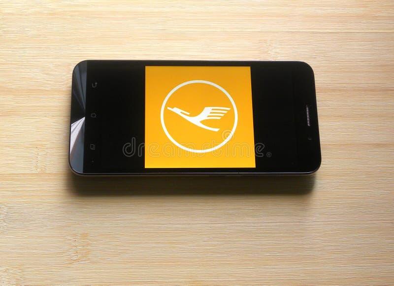 Lufthansa app på mobiltelefonen arkivbilder