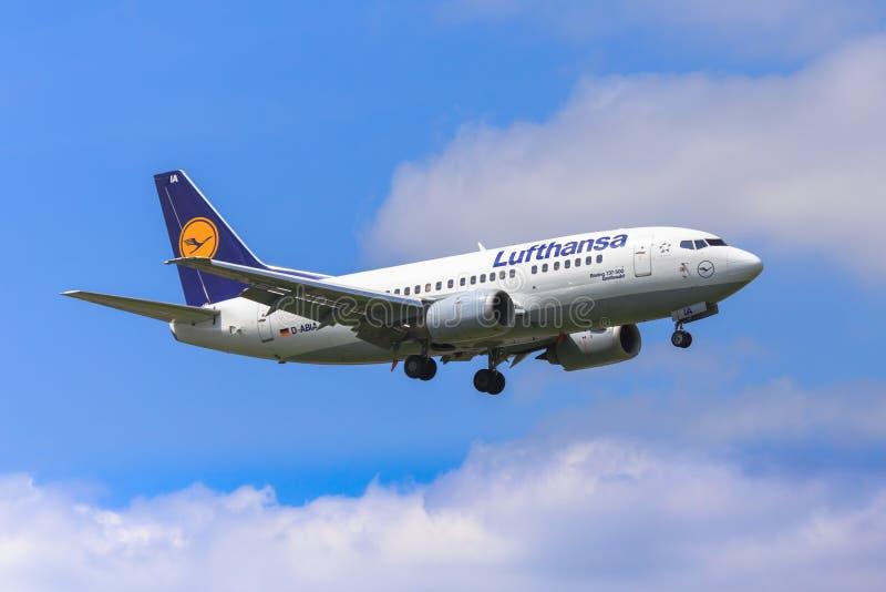 Lufthansa Boeing 737 royalty free stock photography