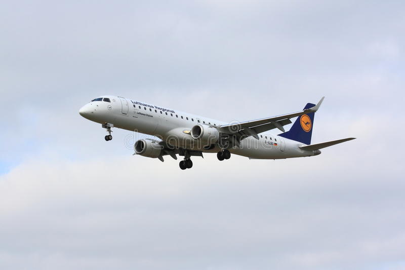 Lufthansa Embraer ERJ-190 arkivfoton