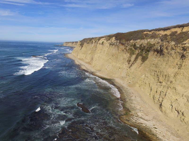 Luftk?stenbilder genommen entlang einer Ausdehnung von California& x27; Pazifikk?ste Hwy s Von San Francisco durch Big Sur stockbild