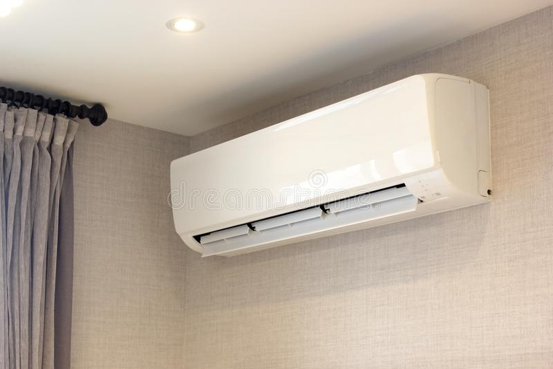 Luftkonditioneringsapparat för enhet för spole för väggtypfan royaltyfri fotografi