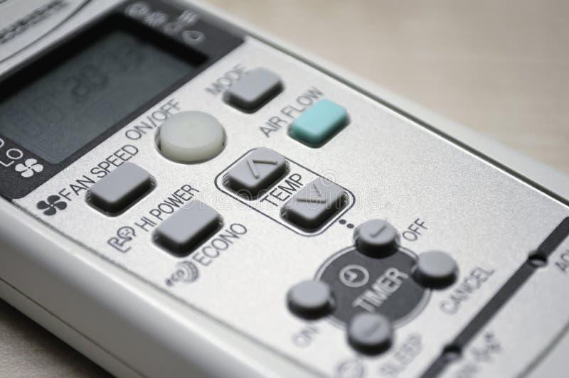 luftkonditioneringsapparatkontrollremote arkivbild