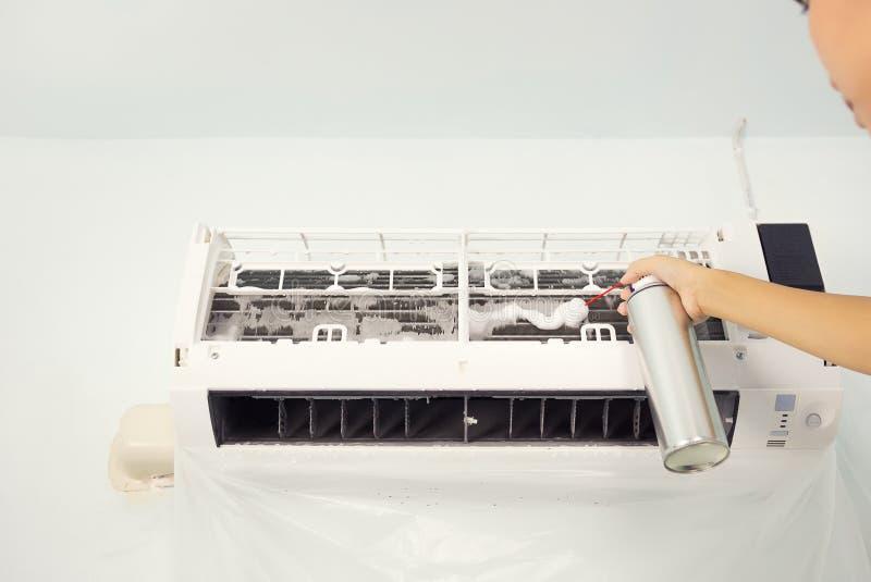 Luftkonditioneringsapparatlokalv?rd fotografering för bildbyråer