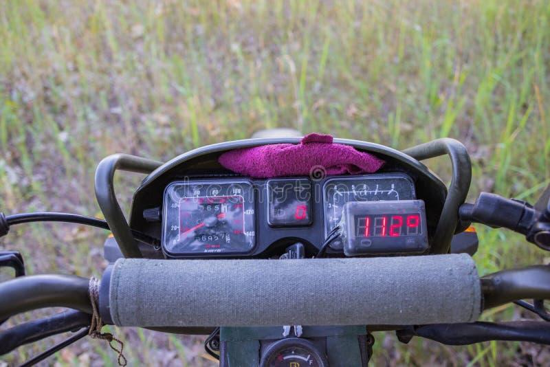 Luftkyld avkännare för motorcykelmotortemperatur arkivbilder