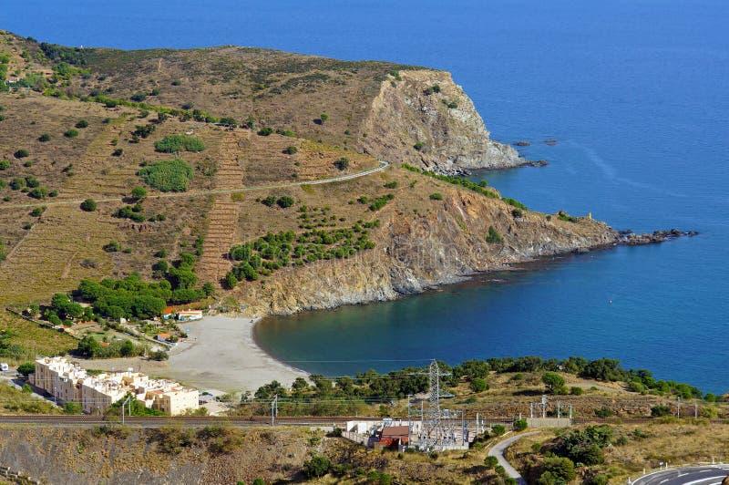 Luftlandschaft über einer Mittelmeerbucht lizenzfreie stockfotos