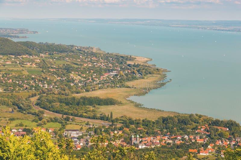 Luftlandschaft für ein Plattensee in Ungarn lizenzfreie stockbilder