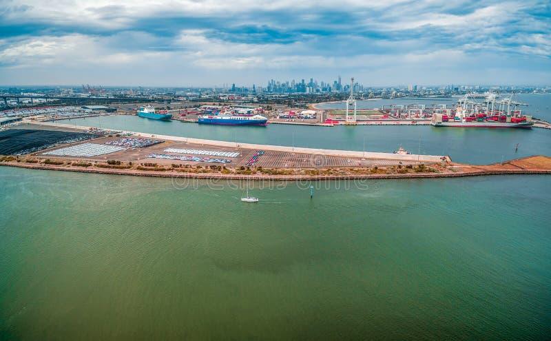 Luftpanorama Küstenvororts Williamstown in Melbourne, Australien lizenzfreie stockfotos
