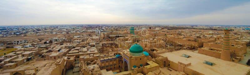 Luftpanoramaansicht zu alter Stadt Khiva, Usbekistan stockfotos